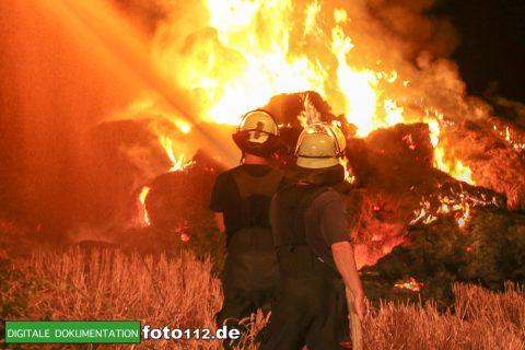 Eichwaldstr-brennt-Strohlager-002