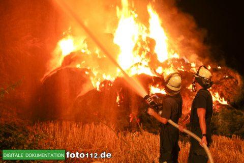 Eichwaldstr-brennt-Strohlager-004