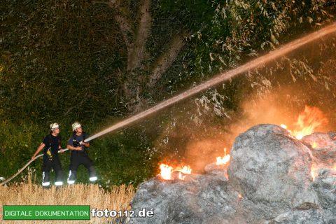 Eichwaldstr-brennt-Strohlager-009