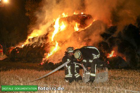 Eichwaldstr-brennt-Strohlager-011