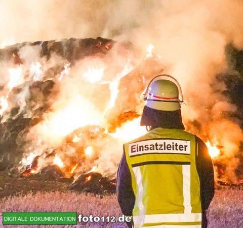 Eichwaldstr-brennt-Strohlager-Sony-001