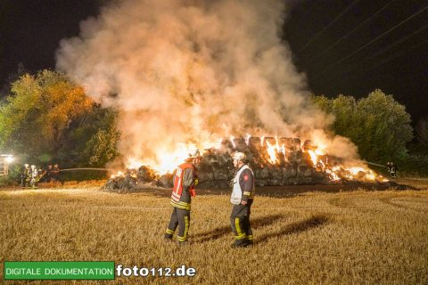Eichwaldstr-brennt-Strohlager-Sony-003