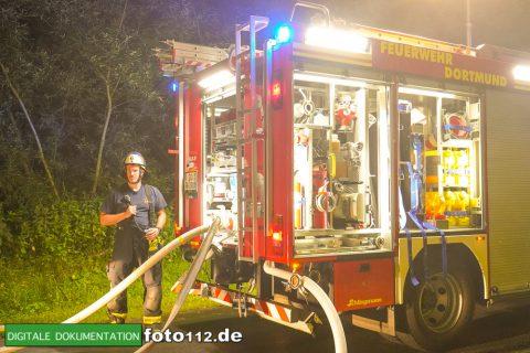 Eichwaldstr-brennt-Strohlager-Sony-006