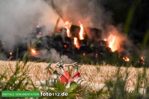 Eichwaldstr-brennt-Strohlager-Sony-009