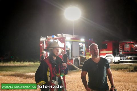 Eichwaldstr-brennt-Strohlager-Sony-016
