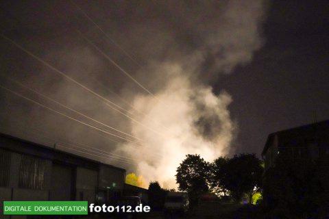 Eichwaldstr-brennt-Strohlager-Sony-019