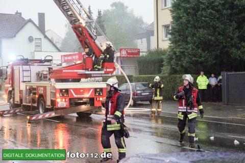 Provinzialstr.-Dachstuhlbrand-011Nacht
