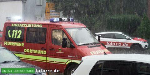 Provinzialstr.-Dachstuhlbrand-021Nacht