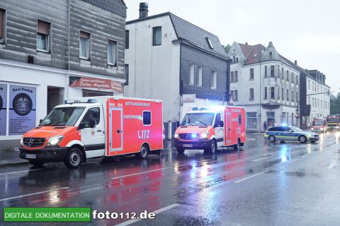 Provinzialstr.-Dachstuhlbrand-028Nacht