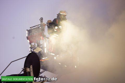 Immanuel-Kant-Straße-Dachstuhlbrand-019