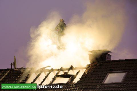 Immanuel-Kant-Straße-Dachstuhlbrand-022