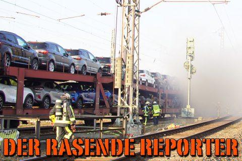 PKW-brennen-auf-Zug-006