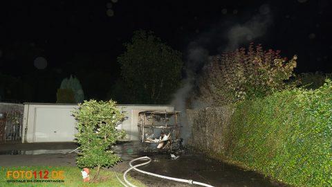 Brennt-Wohnwagen-001-2