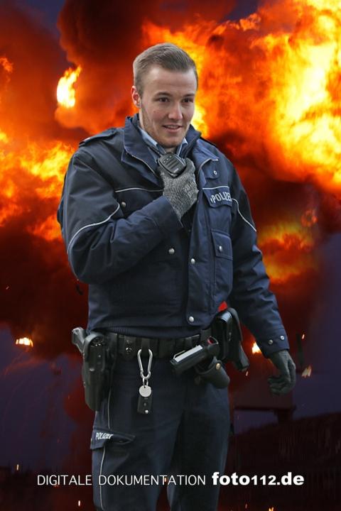 Polizist-13